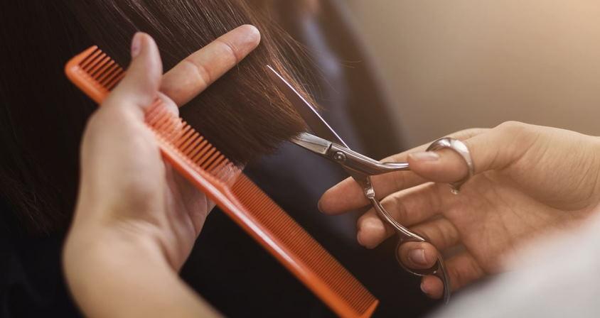 cutting hair in dream